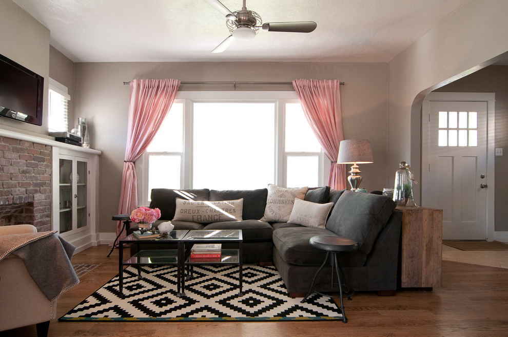 Amazon Area Rugs Living Room Craftsman with Arched Doorway Archway Baseboard Black and White Rug Black Coffee Table Brick