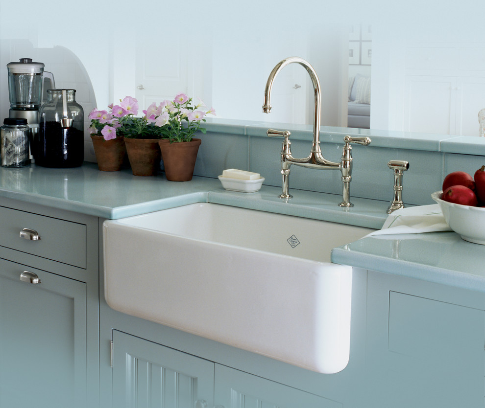 Apron Sinks Kitchen Traditional with Apron Sink Farmhouse Farmhouse Kitchen Farmhouse Sink