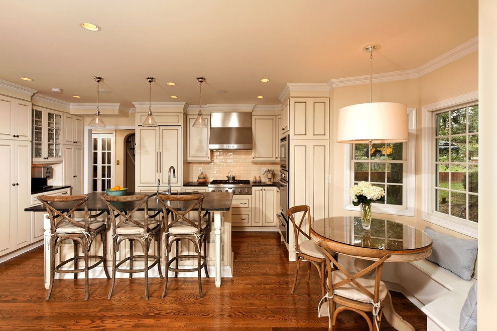 Barstools Kitchen Traditional with Banquette Breakfast Bar Breakfast Nook Ceiling Lighting Crown Molding Eat in Kitchen
