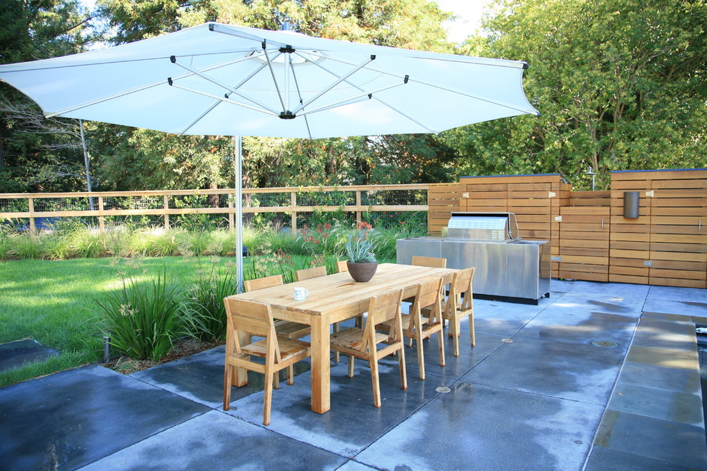 Cantilever Umbrella Landscape Modern with Bbq Concrete Dining Table Garden Dining Table Garden Storage Grass Lawn Modern