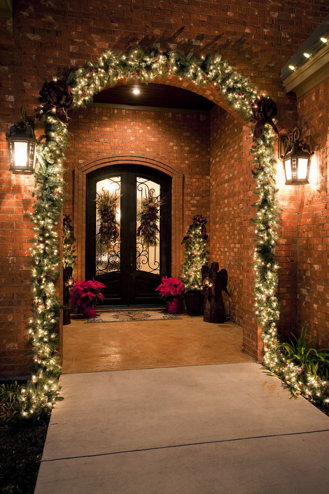Christmas Yard Decorations Porch Traditional with Angel Brick Wall Christmas Decorating Christmas Lights Exterior Christmas Decor Exterior Decoration