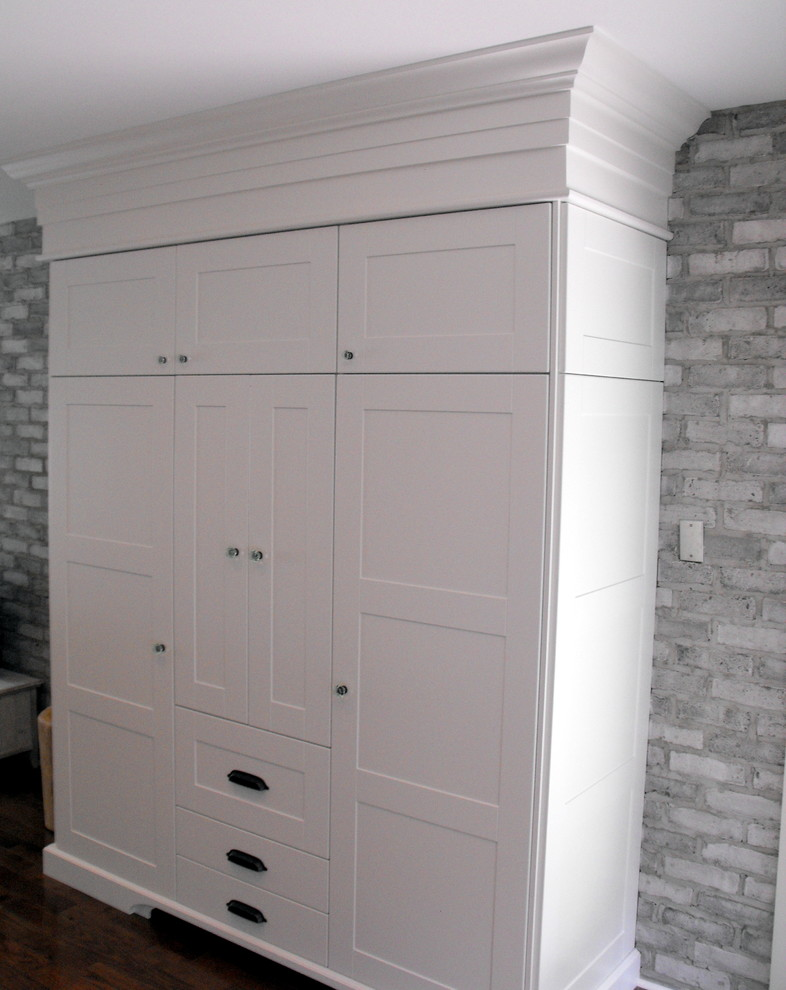 Clothing Armoire Spaces with None
