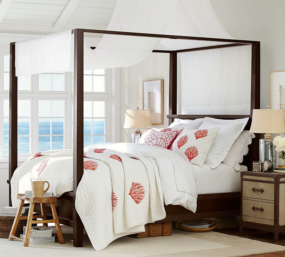 coral quilt Bedroom Beach with none