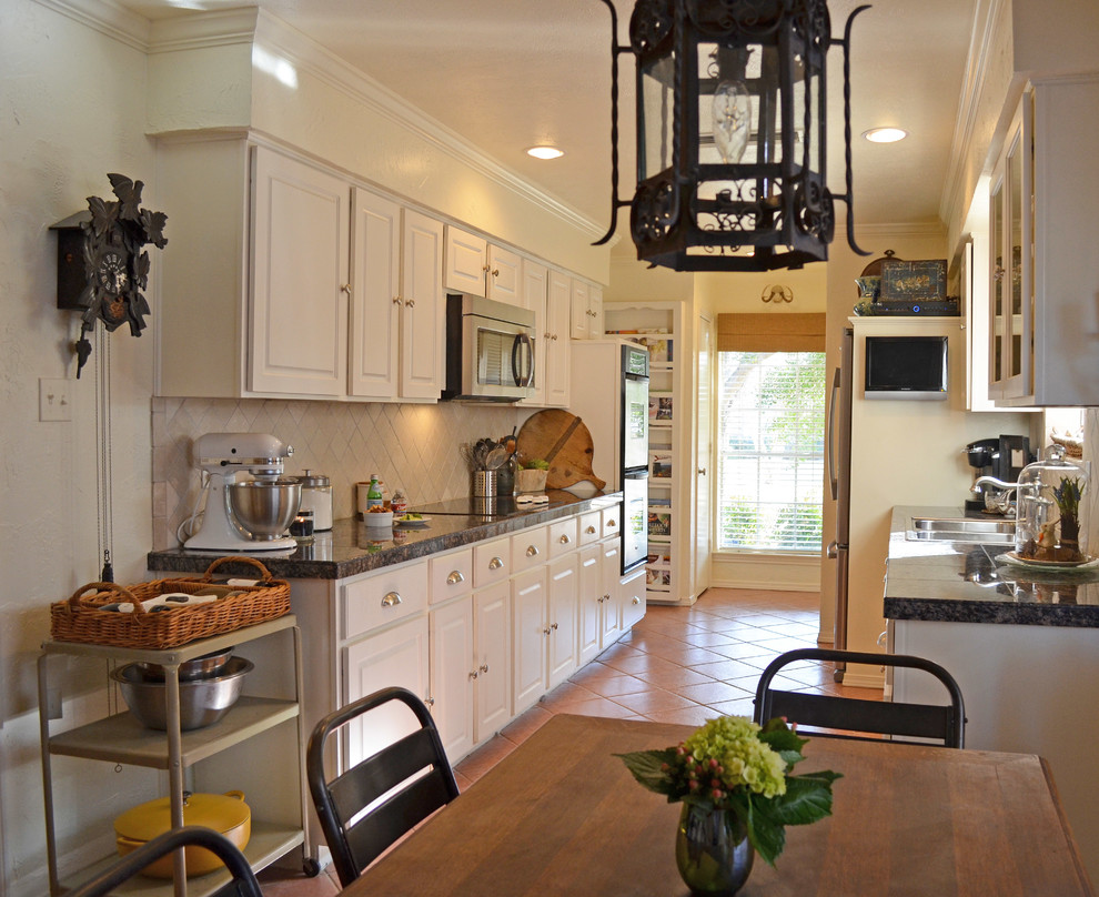 Cuckoo Clock Kitchen Traditional with None