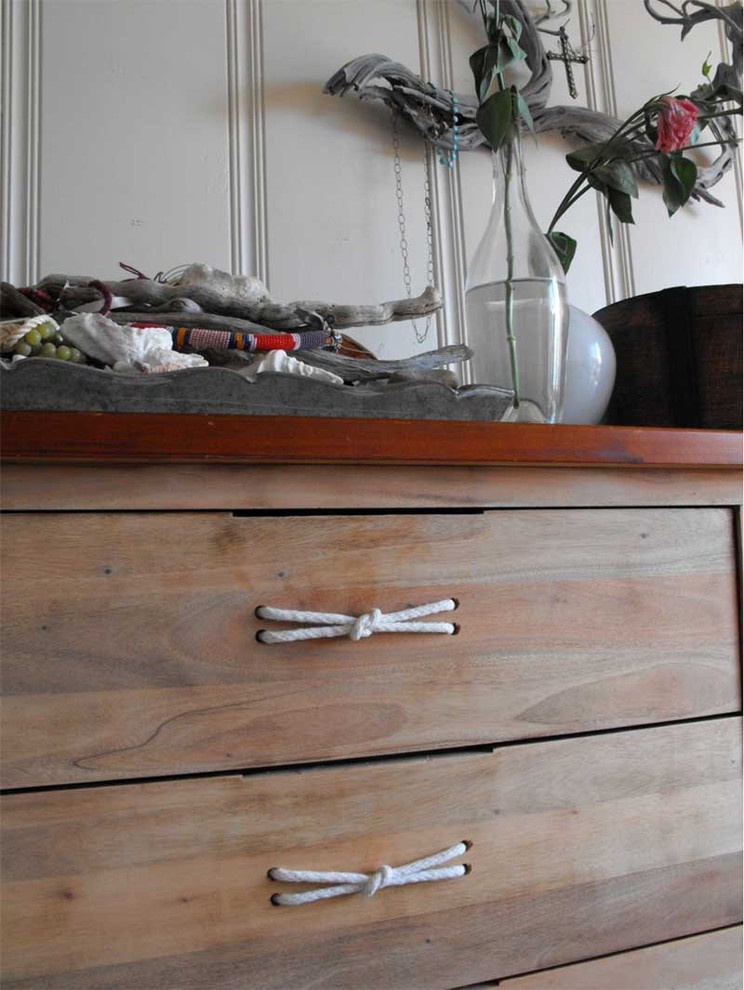 Drawer Pulls Living Room with None