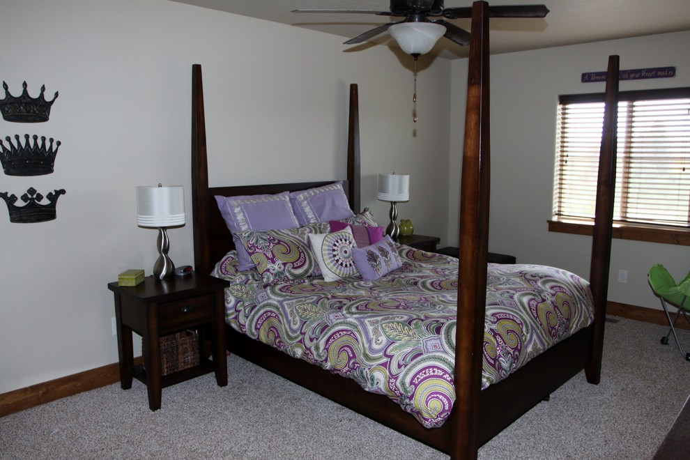 echo bedding Bedroom Traditional with Accent Pillows carpet Echo bedding lamp metal wall accents queen duvet storage