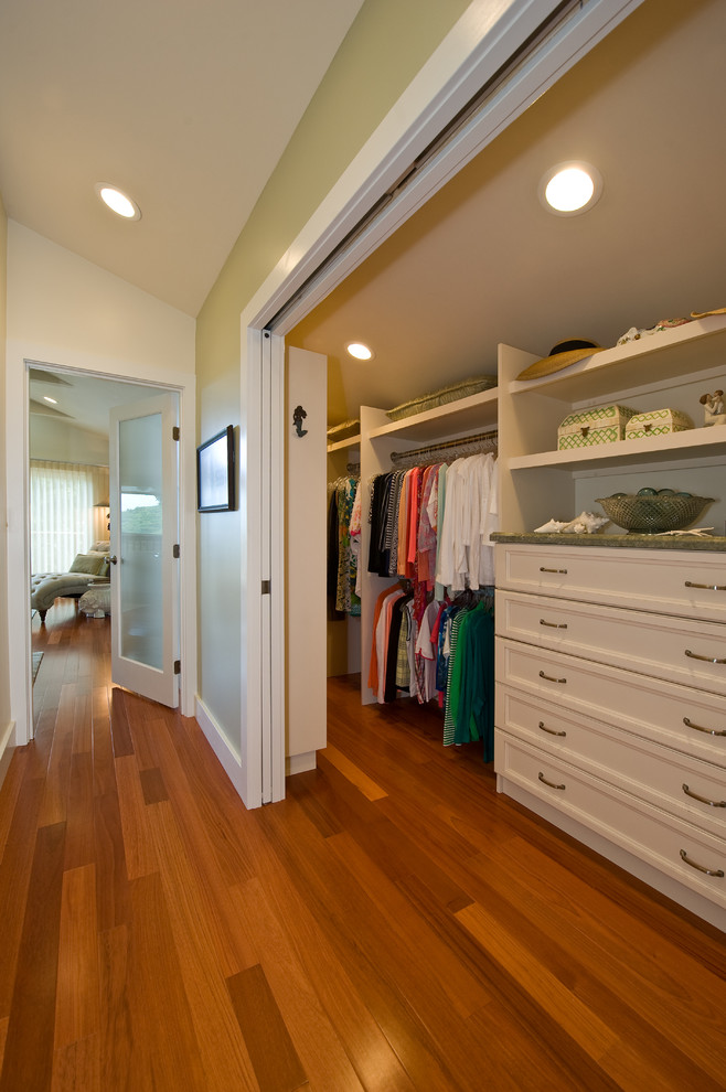 Extra Deep Pocket Sheets Closet Traditional with Beige Wall Glass Door Green Wall Hallway Hallway Closet Long Closet Narrow