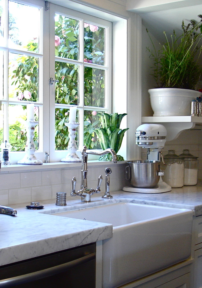 farmhouse kitchen sink Kitchen Traditional with deep sink farm sink kitchen containers kitchen faucet kitchen mixer kitchen storage