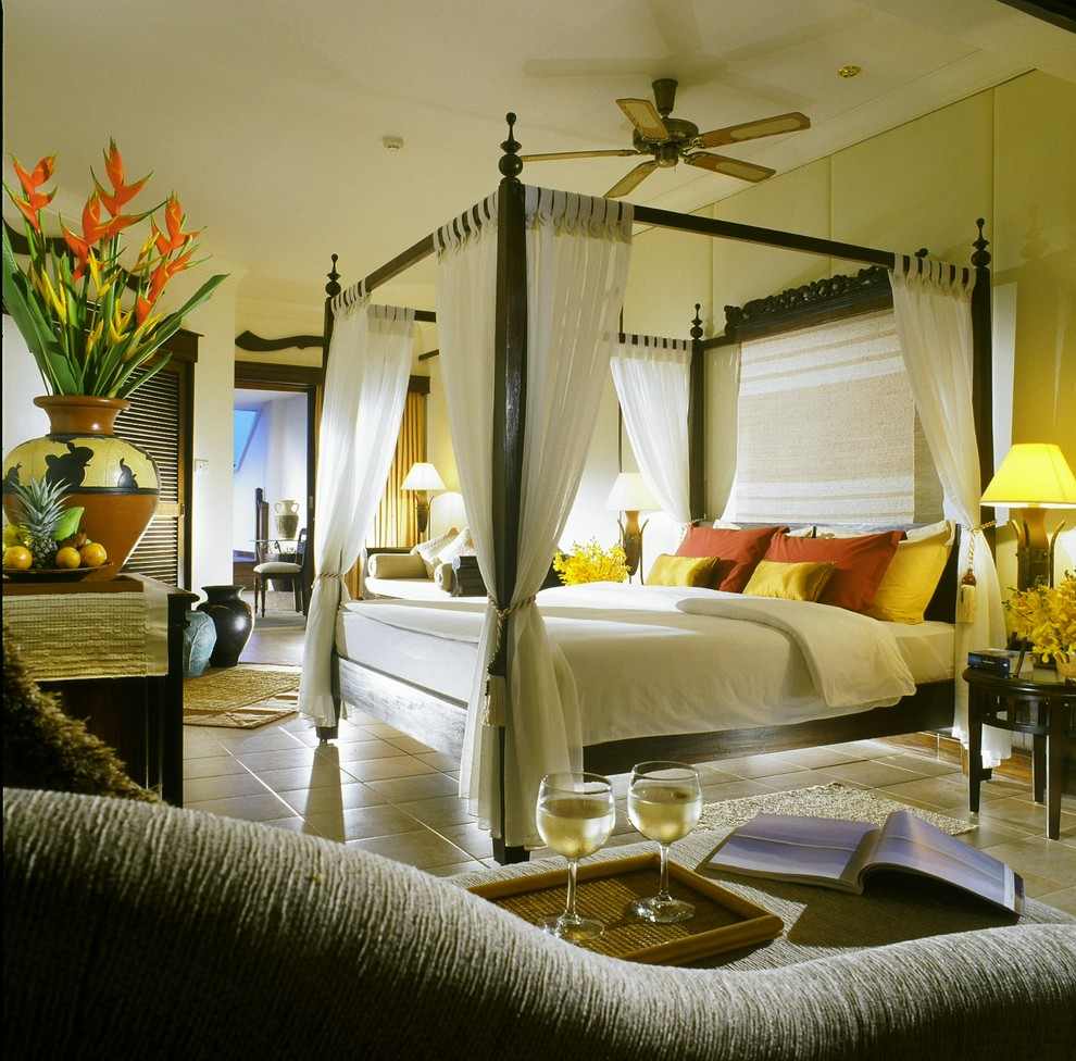 Four Poster Beds Bedroom Tropical with None