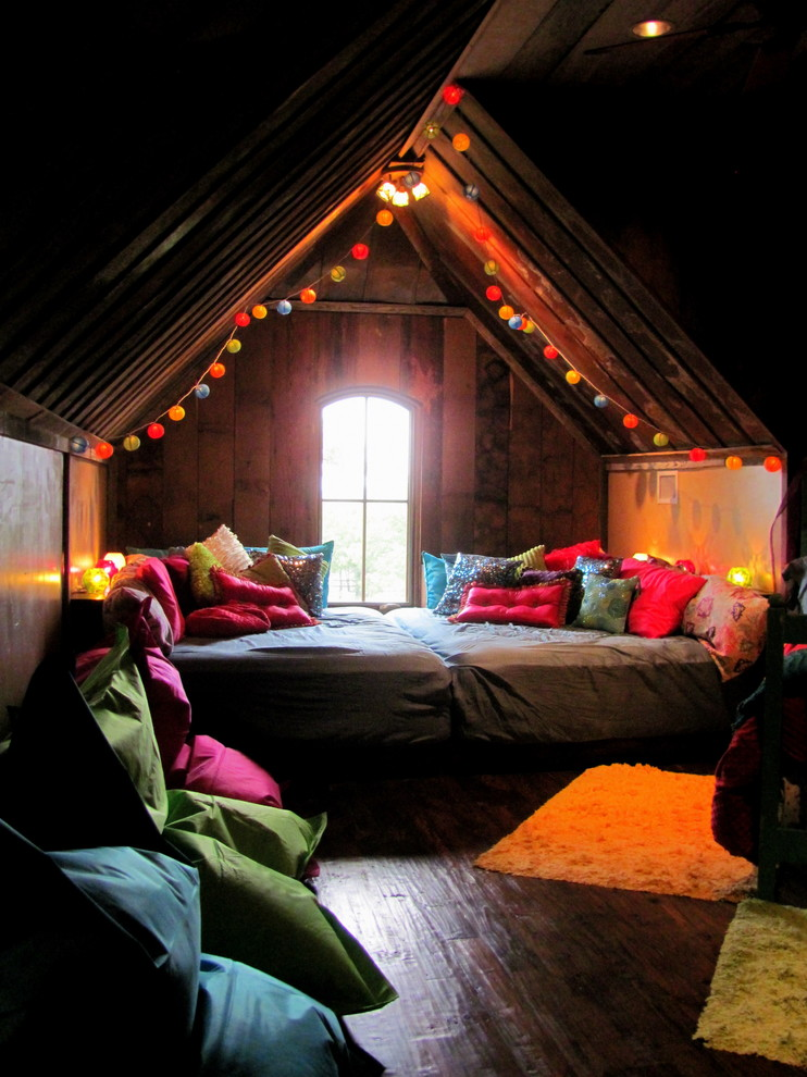 full xl mattress Bedroom Eclectic with alcove arch window area rug attic bedding bohemian colorful pillows nook Secluded