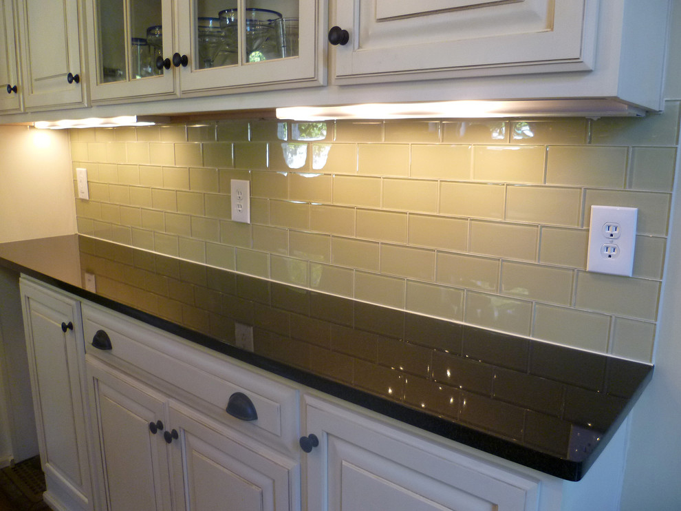 Glass Subway Tiles Kitchen Contemporary with Backsplash Cream Soda Daltile East Nashville Glass Reflections Glass Tile Kitchen Lockeland