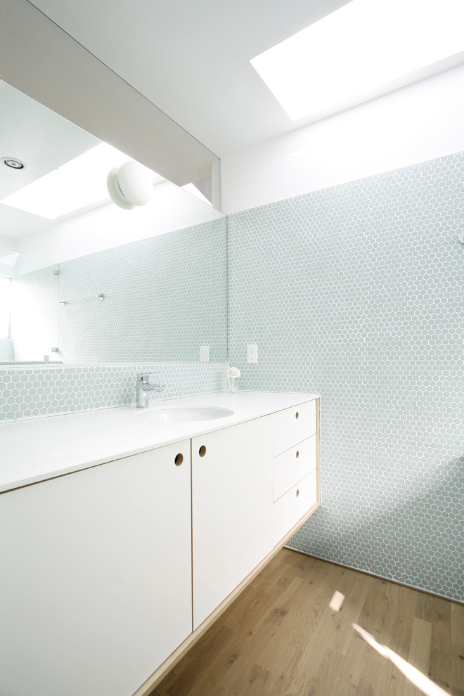 Hexagon Tile Bathroom Scandinavian with Blue Tile Wall Light Wood Floor Octagonal Tile Wall Tile Backsplash White