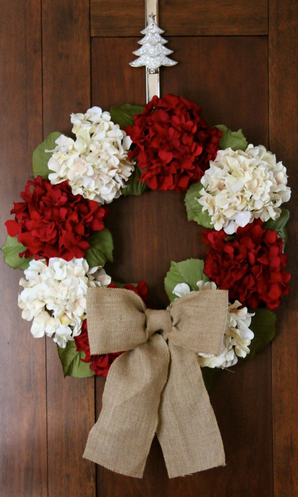 hydrangea wreath Spaces Traditional with hydrangeawreath chalkitupdecor Christmas decorations Christmas wreath christmaswreath country country chic door decor