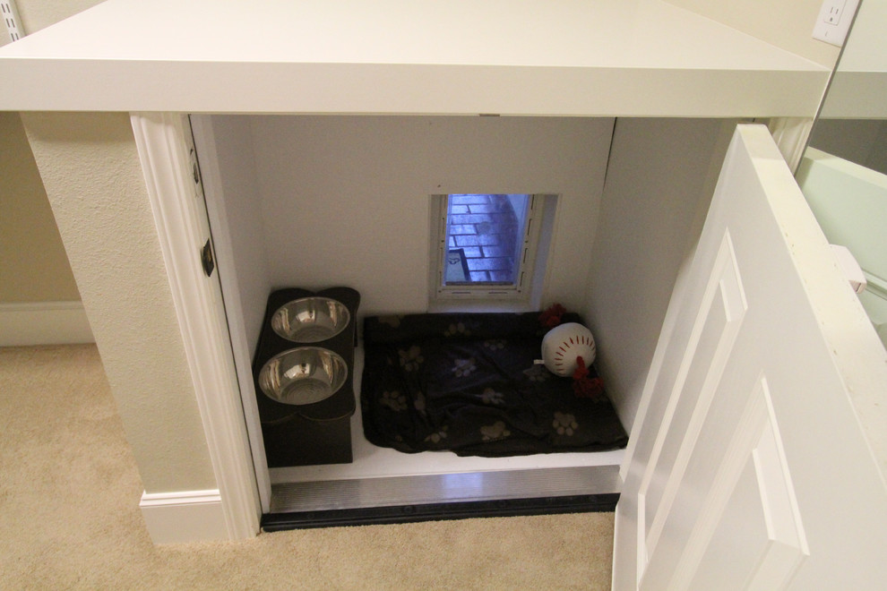 Indoor Dog Kennels Closet Traditional with None