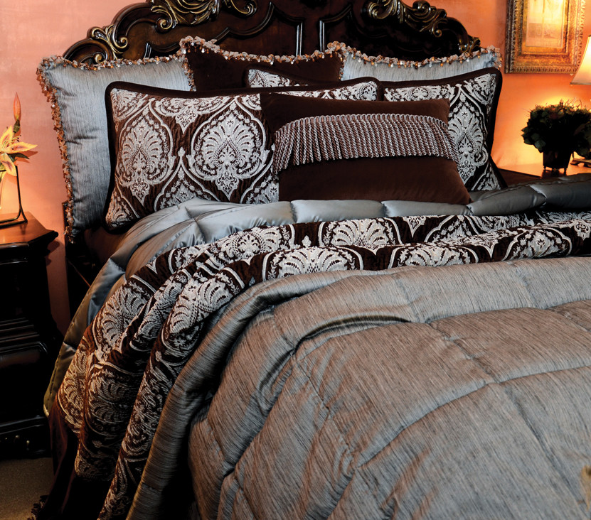 King Quilts Bedroom Traditional with Blue and Brown Coverlet Custom Custom Bedding King Oversized Oversized King Quilted1