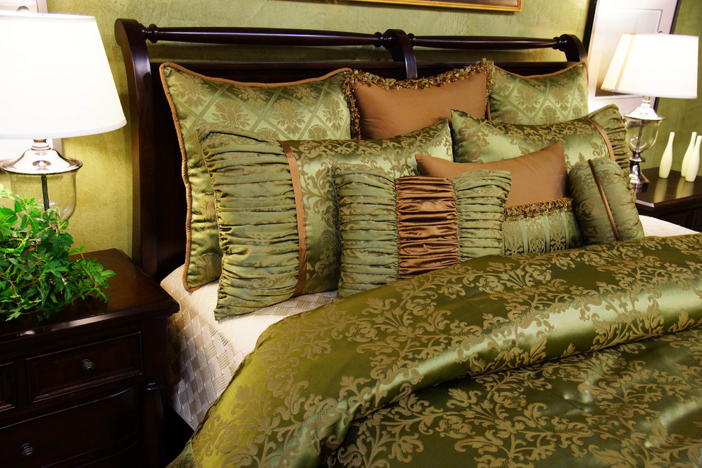 King Size Duvet Cover Bedroom Traditional with Damask Damask Duvet Duvet Duvet Cover Gold Green Green and Gold Luxury
