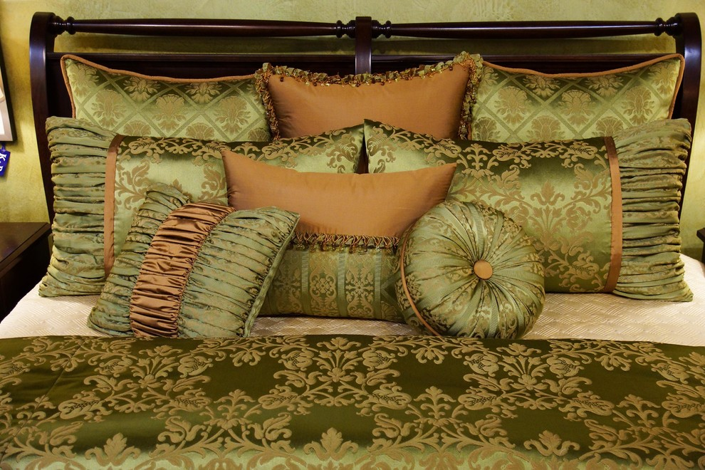 King Size Duvet Cover Bedroom Traditional with Damask Damask Duvet Duvet Duvet Cover Gold Green Green and Gold Luxury1