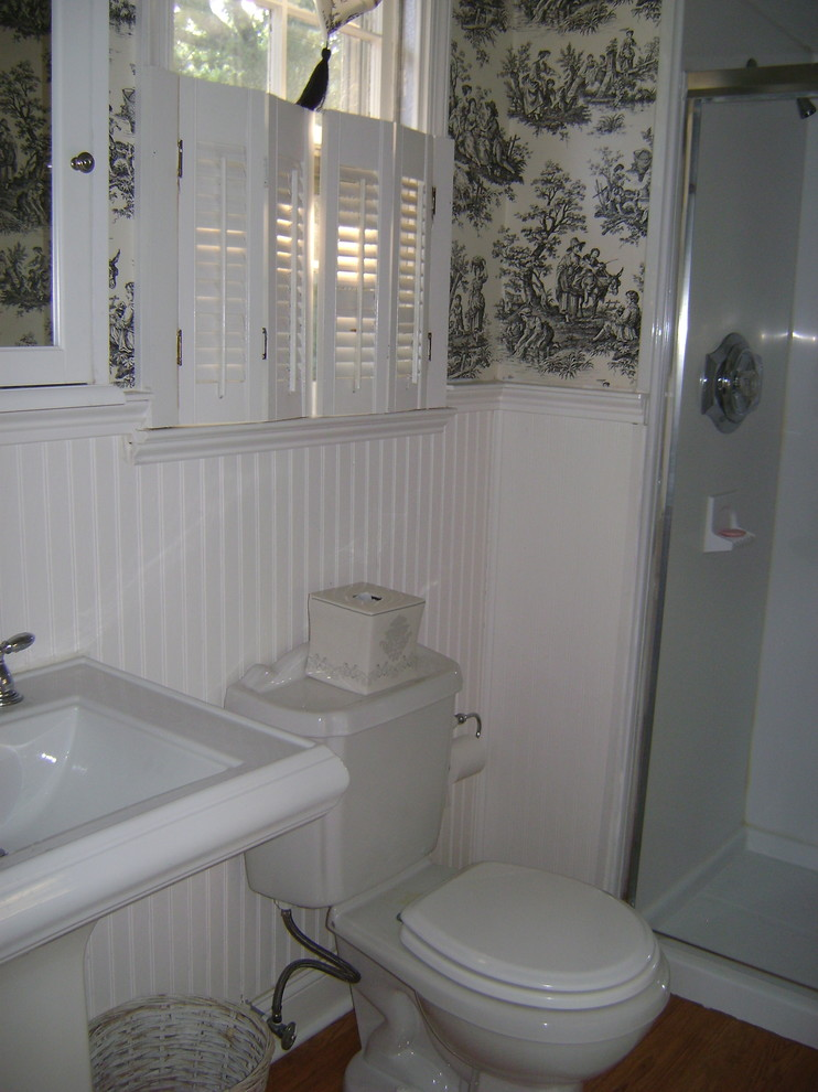 Konecto Flooring Bathroom Traditional with Bathroom Chrome Faucets Crown Molding Home Stager Home Staging Pedestal Sink Shower1