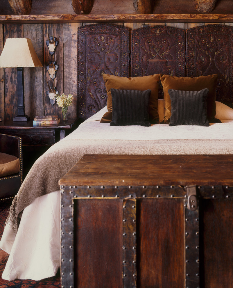 Leather Headboard Bedroom Rustic with Bedding Cabin Chest Guest Bedroom Headboard Lodge Rustic Side Table Table Lamp