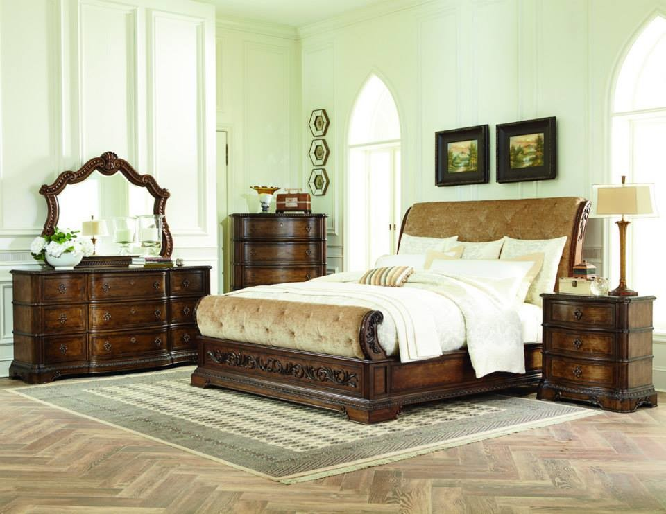 Legacy Classic Furniture Bedroom with Area Rug Patterned Wood Floor Wood Bedframe Wood Dresser Wood Dresser Set