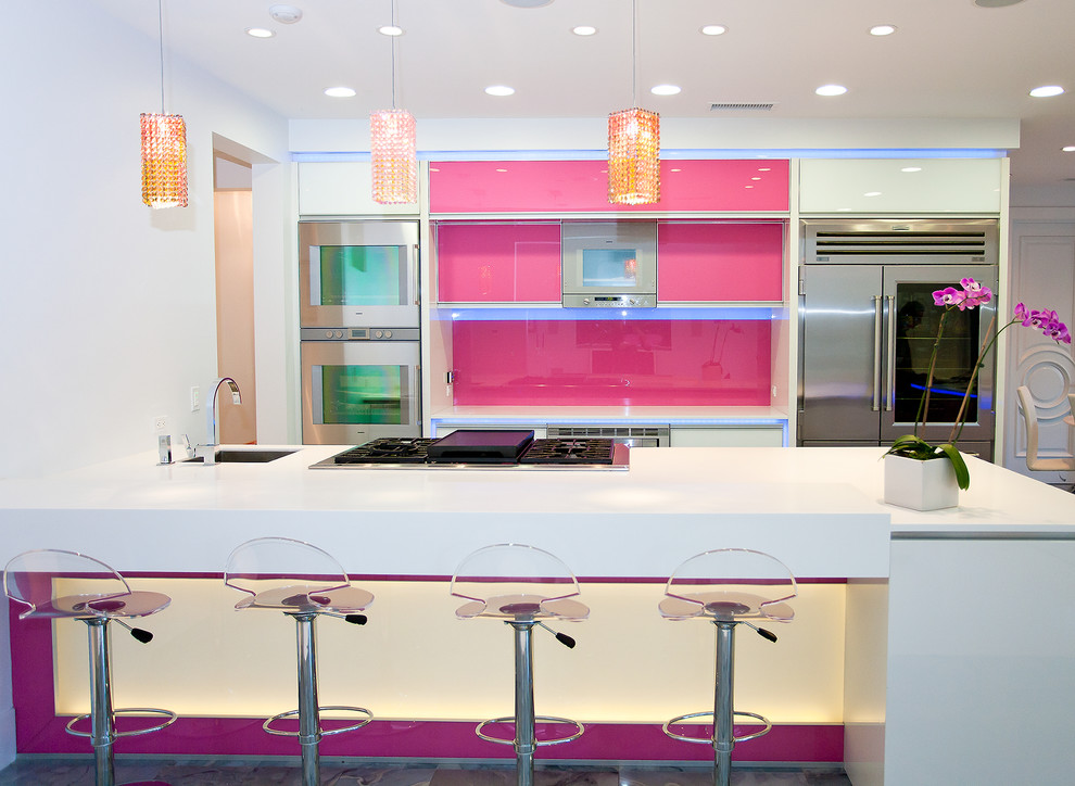 Lumisource Kitchen Contemporary with Breakfast Bar Ceiling Lighting Eat in Kitchen Orchid Pendant Lighting Pink Cabinets