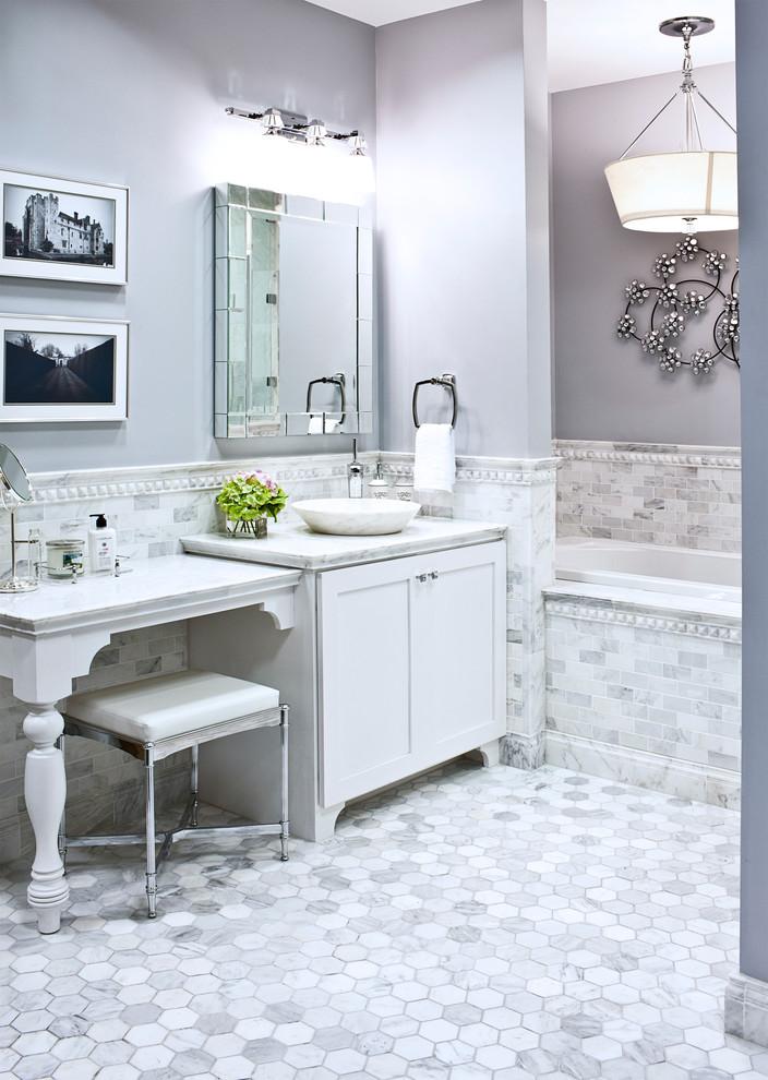 Makeup Vanity Sets Bathroom Traditional with None