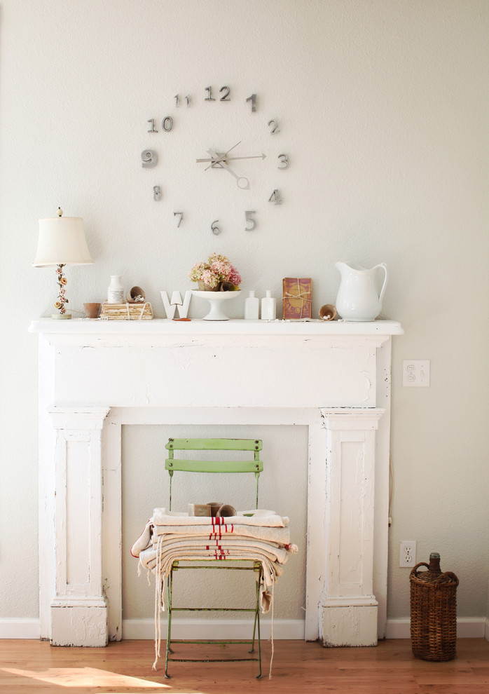 Mantel Clock Dining Room Shabby Chic with None