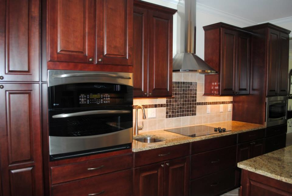 Moen Motionsense Kitchen Traditional with Cabinets Mid Continent Maple Towne Ra Moen Motion Sense Faucetsbacksplash N 3