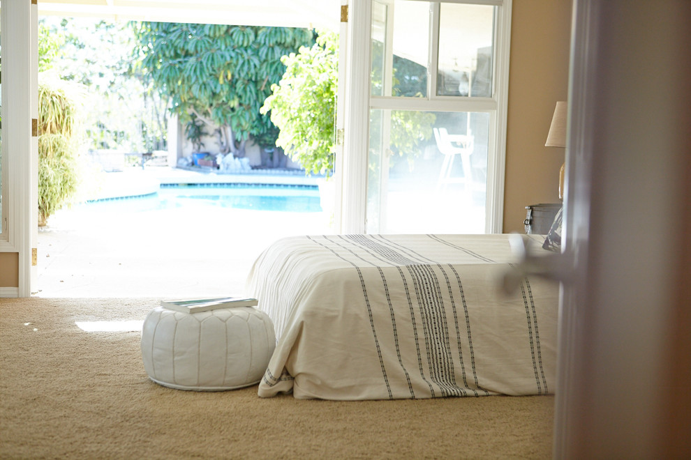 Moroccan Leather Pouf Bedroom Traditional with None