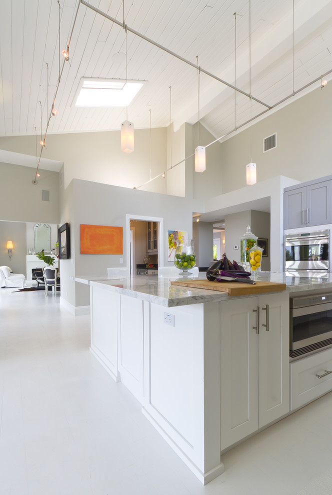 Olympic Bar Weight Kitchen Contemporary with Artwork Cutting Board Gray Walls High Vaulted Ceilings Kitchen Kitchen Lighting Lake