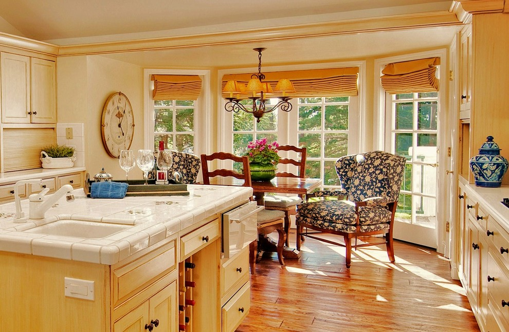 Oversized Chairs Kitchen Traditional with Antiqued Bay Window Bergre Chair Breakfast Nook Chandelier Shades Country Eat In