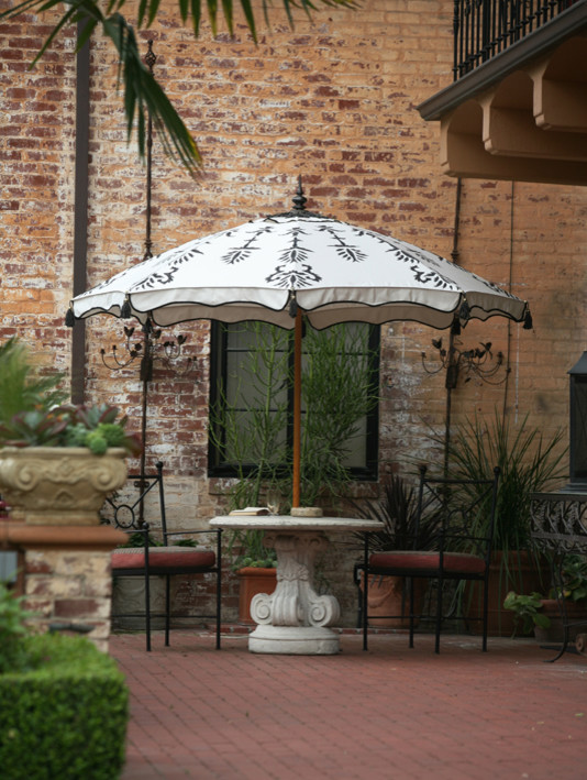 Patio Umbrella Lights Patio Traditional with Custom Patio Umbrellas Decorative Patio Umbrellas Desert Garden Hedge Row Hedgerow Lawn3