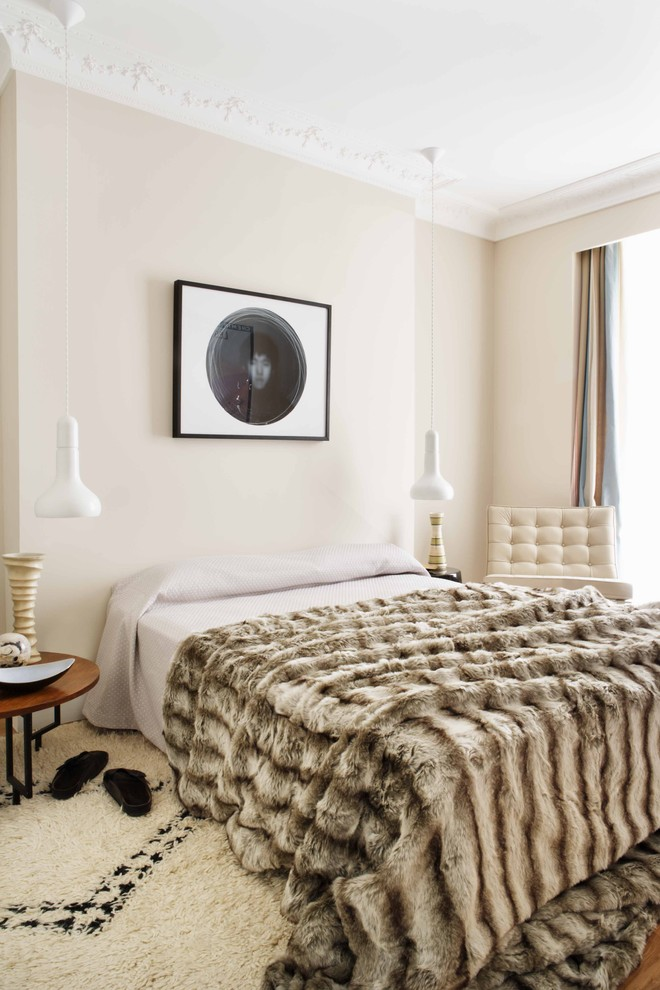 Plush Throw Blanket Bedroom Contemporary with Alfombras Dormitorio Area Rug Bedside Table Crown Molding Curtains Dormitorio Beige Drapes