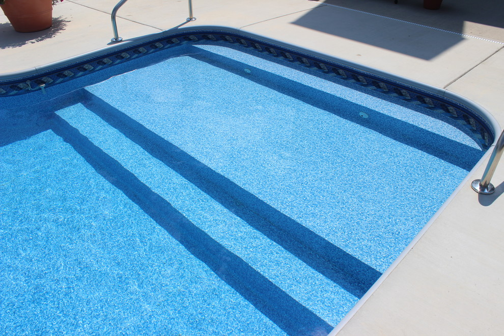 Pool Raft Pool with Backayrd Columbus Indiana Full Width Steps in Ground Pool Raft to Rafters