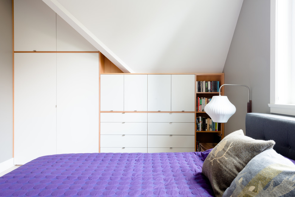 purple comforter Bedroom Contemporary with addition Ash Flooring bookshelf bungalow Clothes Closet dot blanket douglas fir edge
