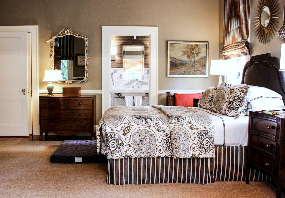 Queen Size Headboard Bedroom Traditional with Brown and White Bedding Chair Rail Dark Wood Nightstand en Suite Gold