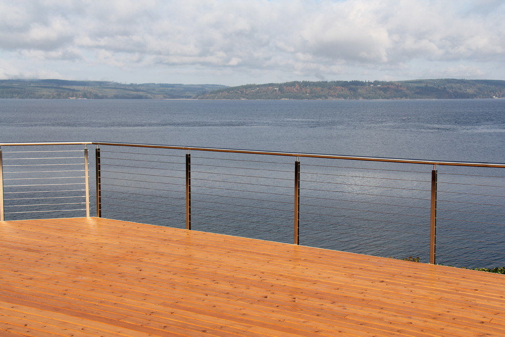 Rolling Tote Deck Modern with Cable Rail Custom Made Prefabricated Rail Stainless Steel Waterfront