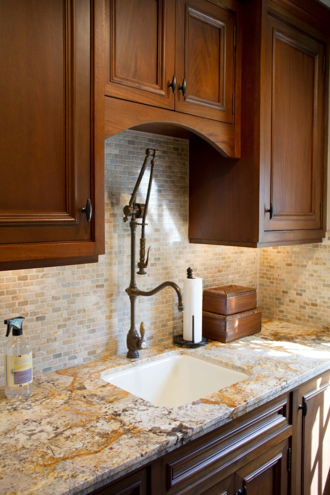 single handle kitchen faucet Laundry Room Traditional with CategoryLaundry RoomStyleTraditionalLocationLos Angeles
