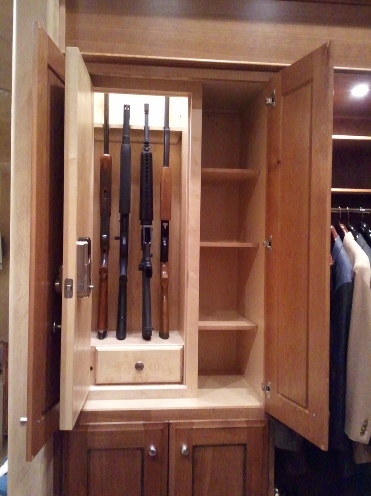 Steelwater Gun Safes Closet Traditional with Ammo Drawer Cabinet Concealed Customn Closet Digital Deadbolt Discreet Hafele Led Lighting