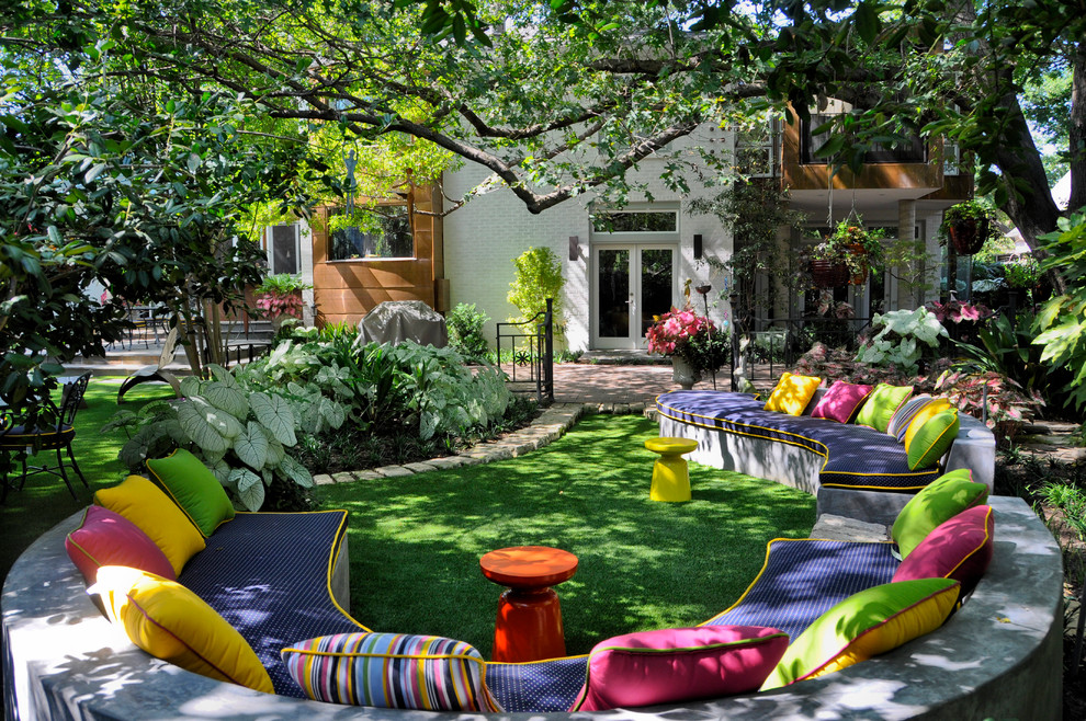 Sunbrella Outdoor Cushions Landscape Eclectic with Accent Table Built in Bench Seat Colorful Cushions Curved Bench Exterior Garden Glass1
