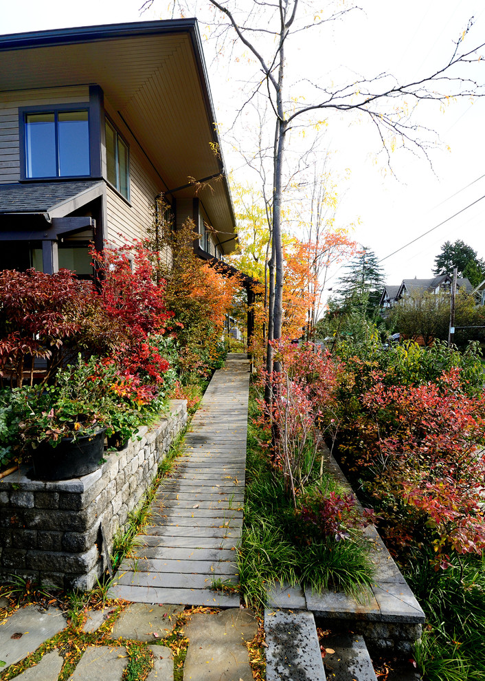 Threshold Ramps Landscape Traditional with Exterior Frontyard Landscaping Mass Planting Stone Pavers Urban Walkway