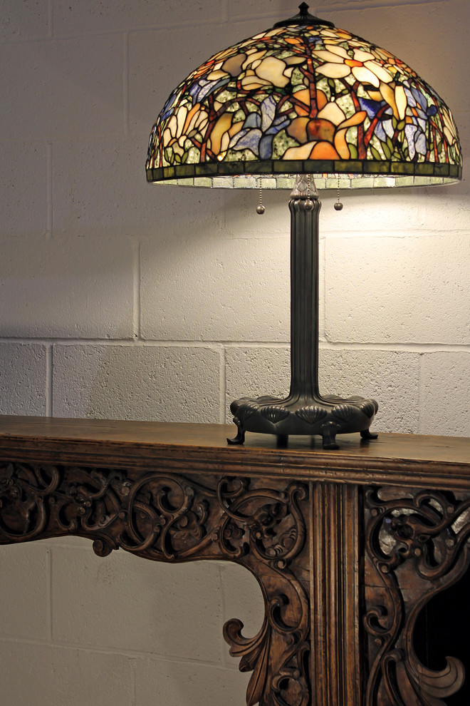 Tiffany Table Lamps Living Room Traditional with Antique Furniture Collectible Lamps Fine Art Lamps Gemstone Lamps Table Lamps Magnolia2