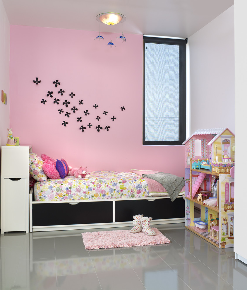 Toddler Dollhouse Kids Modern with Accent Wall Bedroom Ceiling Lighting Dollhouse Floral Bedding Girls Room Glossy Floor