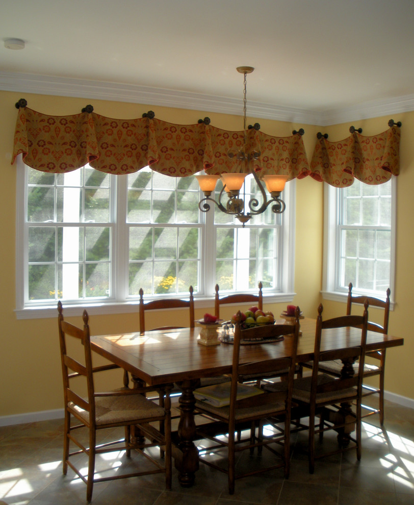 Valance Curtains Kitchen Traditional with None