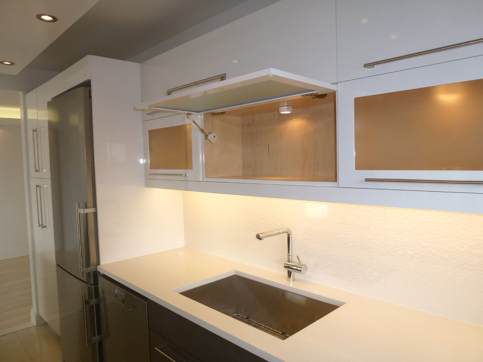 Vigo sinks kitchen transitional with cabinet lighting gray for Subway vigo