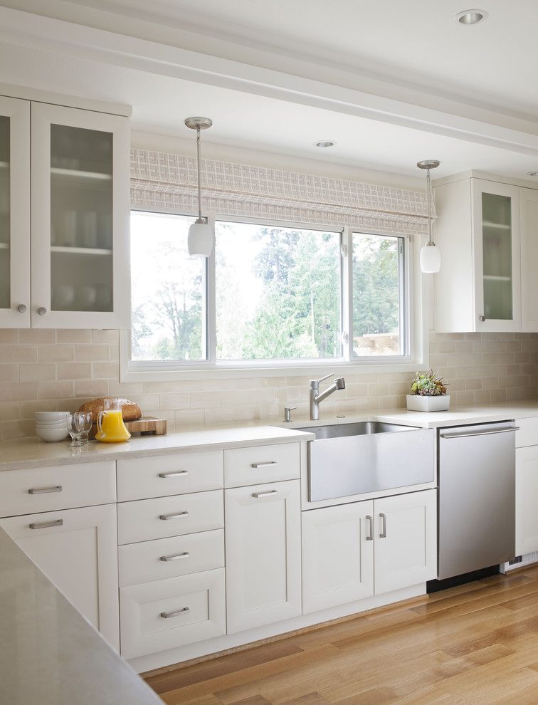 waffle weave robe Kitchen Traditional with farmhouse sink frosted glass frosted glass cabinet pendant light stainless steel subway